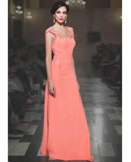 vestido de fiesta joven modelo Diosa en crepe salmón con detalle de tul cruzado en la espalda.
