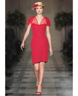 Vestido de crepe modelo Pasión con escote de plumeti al tono y lazadas en los hombros.
