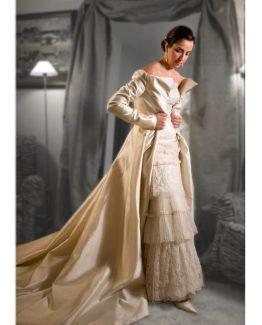 vestidos-de-novia-capas-plisados-abrigo